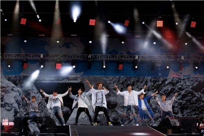 Konbats Shine Bright in the Daylight as iKON Rocks A-Nation!